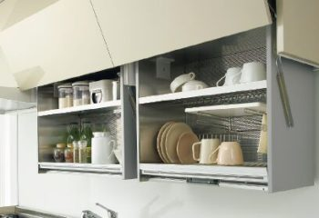 キッチンの吊戸棚活用できてますか?